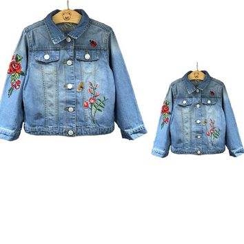 Sardiff 2017 Embroidered Family Matching Outfits Jean Jackets Rose Peacock Mother Daughter Clothing Casual Clothes For Family
