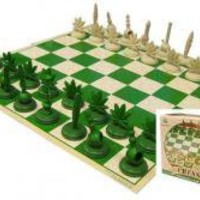 ROCKWORLDEAST - Stonerware, Chess Set, Pot Leaf