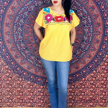 Vintage 70s Yellow Mexican Flower Embroidered Oaxacan Blouse Peasant Top One Size Fits Most