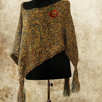 Green Amber Hand Knitted Women Poncho, Knit Boho Shawl, Mexican Poncho, Fringe Hippie Poncho With Handmade  Brooch