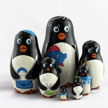 Matryoshka Russian Nesting Doll Babushka Beautiful Family Penguins Set 7 Pieces Pcs Hand Painted Handmade Souvenir Gift Handicraft