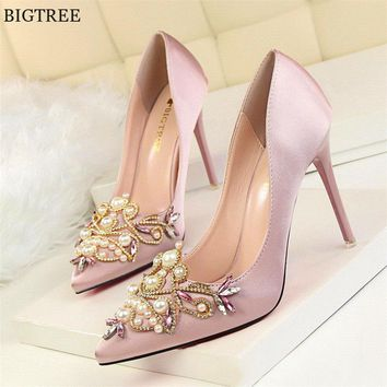Star Style Women Fashion Pearl Crystal High Heels Shoes 2017 New Women's Sexy Pointed Toe Shallow Solid Silk Elegant Party Shoes