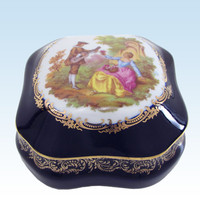 Limoges Castel Courting Couple Square Trinket Box, Watteau Bleu Cobalt Blue, Fragonard, Made in France, 22K Gold