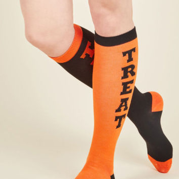Give 'Em Pumpkin to Talk About Socks | Mod Retro Vintage Socks | ModCloth.com