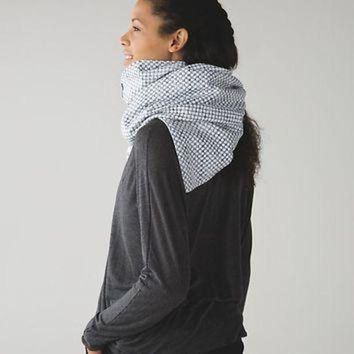 ONETOW vinyasa scarf *fleece | women's accessories | lululemon athletica