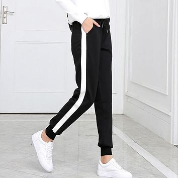 2017 Autumn And Winter Women Casual Sweatpants black White Striped Printed Side Pant Ladies Loose Trousers Joggers Sweat Pants