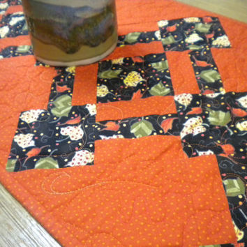 "Fall table decor, Quilted table runner fall, Thanksgiving table topper, fall leaves quilted runner, fall quilted table runner, 12"" x 37"""
