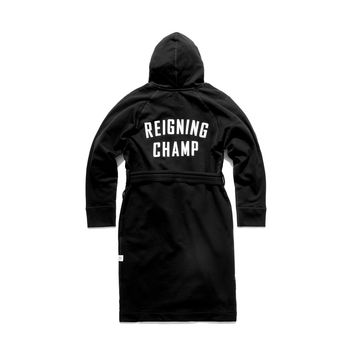 REIGNING CHAMP LOGO HOODED ROBE - BLACK | Reigning Champ