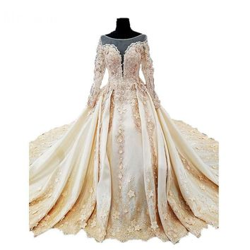Amazing Design Elegant Lace Wedding Dresses Scoop Neck Long Sleeves Vintage New Bridal Ball Gown Embroidery Royal Train
