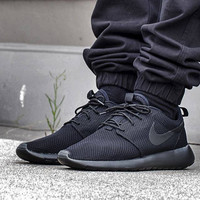 Triple Black Roshe