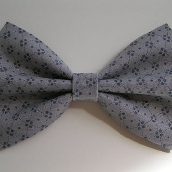 Gray  Hair Bow, Fabric Hair Bow, Hair Bow clip, Hair Bow, Bow Clip, bows bows, hairbow, Bow