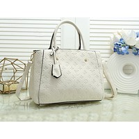 Louis vuitton sells single-shoulder bags in stylish women's monochromatic embossed prints White