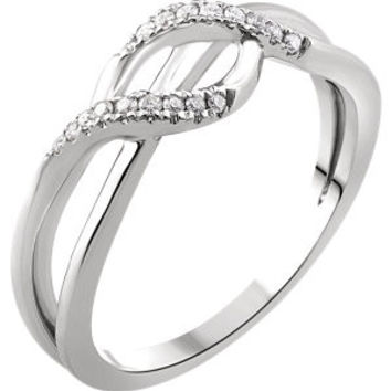 14K White 1-10 CTW Diamond Criss-Cross Ring
