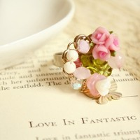 Love will Find You wirewrapped bouquet of roses ring by shopjmp