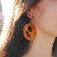 Round wooden earrings. Nice women earrings. Flower earrings.