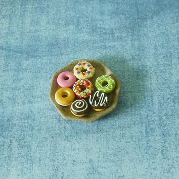 Miniature Donut plated bakery Dollhouse food Dollhouse miniatures/ tiny donought/ polymer clay miniatures
