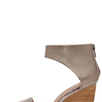 Seychelles Auburn Pewter Leather Ankle Cuff Wedges