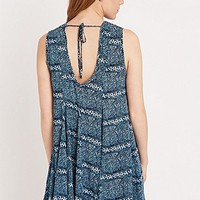 Ecote Clary Open Back Dress in Blue - Urban Outfitters