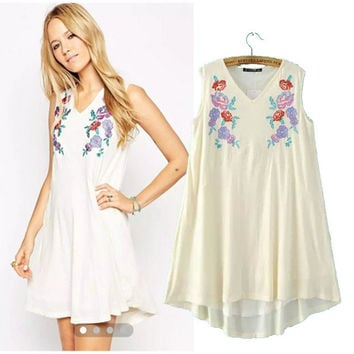 Stylish V-neck Sleeveless Embroidery One Piece Dress [4914987332]