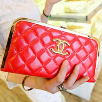 Chanel 2018 new stylish small evening wind chain clutch bag Red