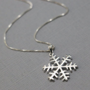 Snowflake Necklace, Sterling Silver Snowflake Pendant on Sterling Silver Box Necklace Chain