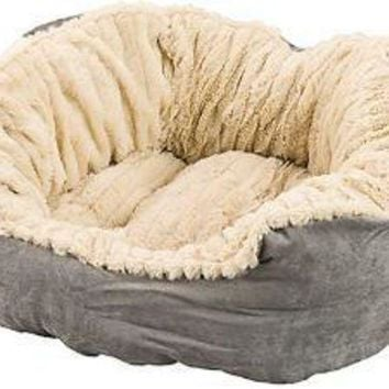 DCCKU7Q Ethical Sleep Zone 21' Gray Plush Bed Carved