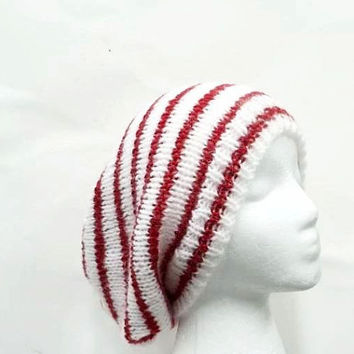 Knitted slouchy beanie hat, red white stripes. oversized beanie 5143