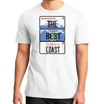 Fashions the best coast District T-Shirt (on man)