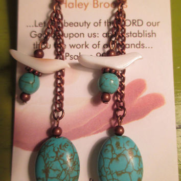 BLaCK CROWeS, NaSHVILLE, BaNaNa SPLiT  HALEY BIRD EARRINGS (vintage handcarved fetish bird beads from the heishi & zuni indian tribes)