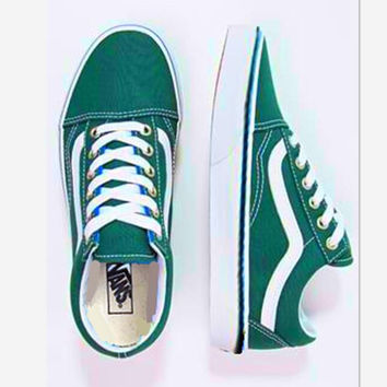Vans Classics Old Skool Black Sneaker low tops green white line