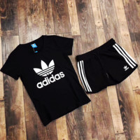 Adidas two sets of short sleeved shorts sport suit