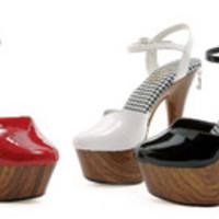 "6"" Wood Print Closed Toe Stiletto W/ 2"" Platform"
