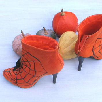 Halloween shoes, boots, witch shoes, Halloween decor, orange black, spider web, spiders, OOAK, Thanksgiving, vampire costume party size 7.5