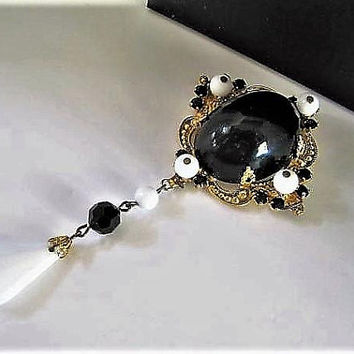 Schreiner Black White Brooch, Black Lucite Large Stone, Black and White Stones Surround, White Lucite Dangler,  Prong Set Rhinestones