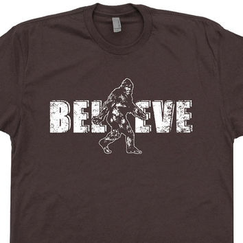 Bigfoot Believe T Shirt Sasquatch Research Team Shirts Funny Vintage Soft Yeti Messing with Tee