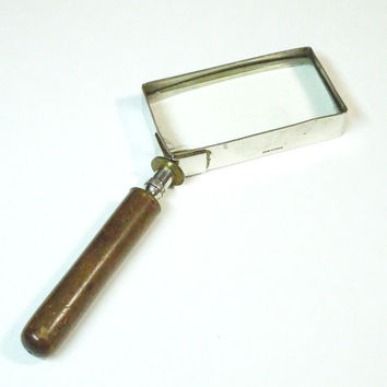 Vintage magnifying glass with wooden handle - Made in France - French rectangular magnifier - Vintage home decor - Vintage desk accessory