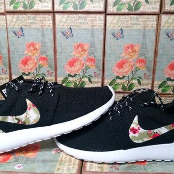 custom nike roshe run black athletic women shoes with fabric flowers nike roshe run fa