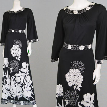 Vintage 70s Black & White Floral Dress Monochrome Print Oriental Dress Asian Dress Kimono Sleeve Bell Sleeve Dress Japanese Dress 1970s