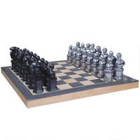 Justice League Chess Set |