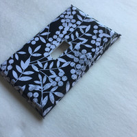 Vine Black and White Distressed wallplate