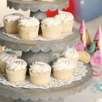 Scalloped Cupcake Stand - 3 Sizes - Box of 6