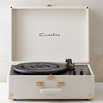Crosley X UO Keepsake White Portable USB Vinyl Record Player | Urban Outfitters