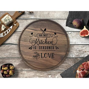 Engraved Round Cutting Board, Walnut Wood - CB13