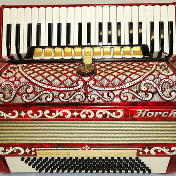 Luxurious, Very Nice German Piano Accordion HORCH 120 bass. Very Rich, Perfect sound. made in Germany