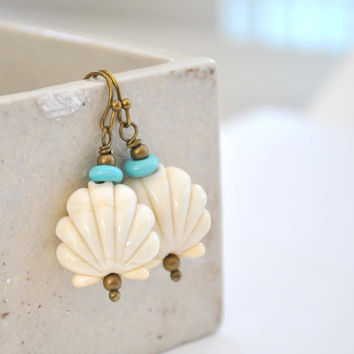 Ivory Sea Shell Earrings, Lampwork Jewelry, Glass Earrings, Fan Earrings, Beach Earrings