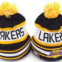 DCCKL7H Los Angeles Lakers Women Men Embroidery Beanies Winter Knit Hat Cap