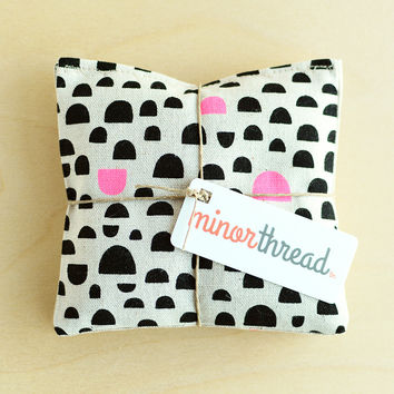 Modern Organic Lavender Sachet Set in Linen with Black and Pink Dome Motif