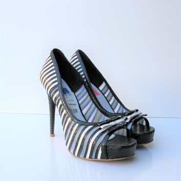 Betsey Johnson Deandra Black White Peep Toe Platform Pump 7.5