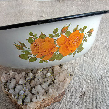 Vintage chipped enamel bowl, metal, Enamel bowl, Housewares, bowl, Home decor, Vintage homeware, Vintage enamelware, Something Old