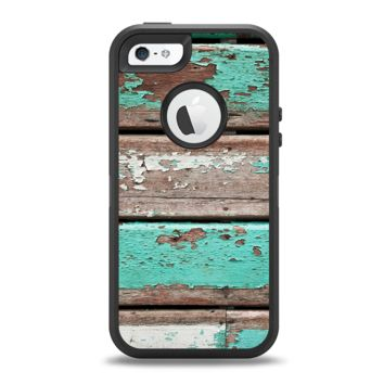 The Chipped Teal Paint On Wood Apple iPhone 5-5s Otterbox Defender Case Skin Set